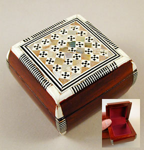 EGYPTIAN JEWELRY BOX WITH MOTHER OF PEARL INLAY MAMAs Egypt Web